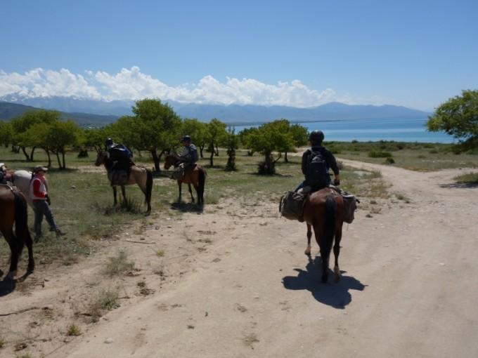 騎馬トレック・キャラバンのゴールは、イシククル湖!