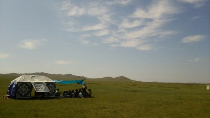 緑の草原で何を思い、何を考えるか